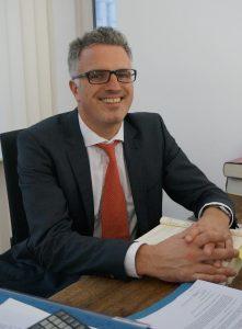 Knud J. Steffan, Fachanwalt für Bank- und Kapitalmarktrecht