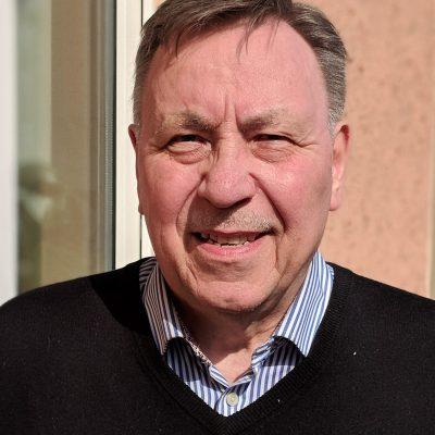 Wolfgang Kapitza, Ass. Jur. und Bankkaufmann